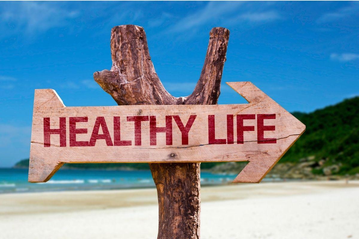 Houten bord met de tekst Healthy Life
